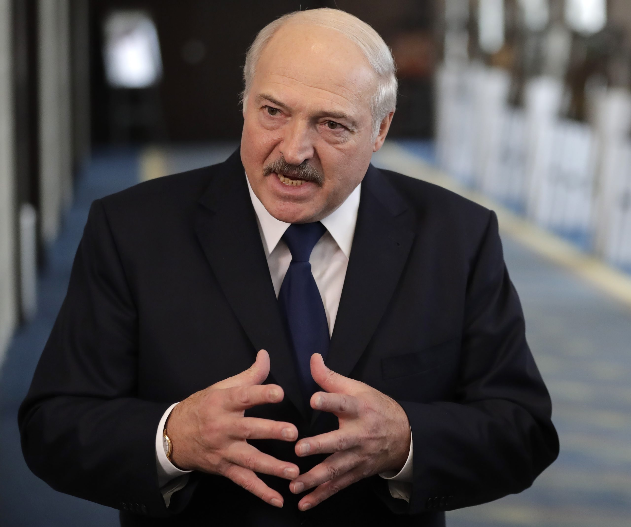 Лукашенко нервничает