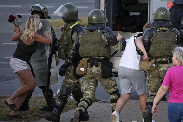 Протесты в белорусской столице, врачи на улицах и визит министра. Что будет дальше?