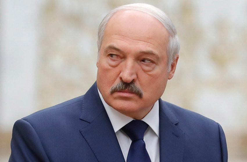 И опять в Минске неспокойно. Лукашенко стягивает технику и готовится к войне
