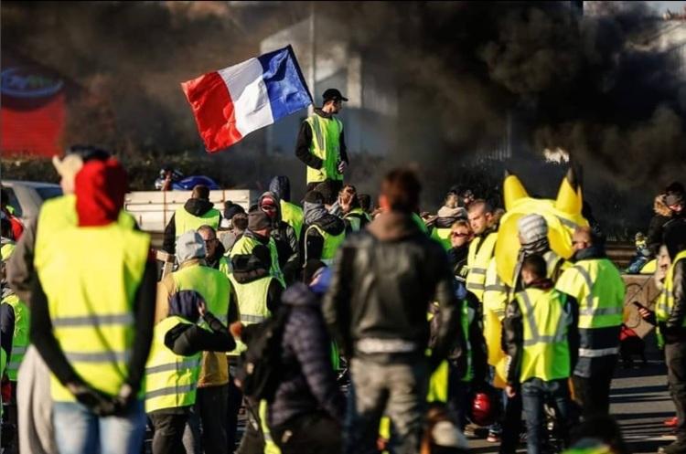 Бумеранг возвращается. Во Франции – Майдан!