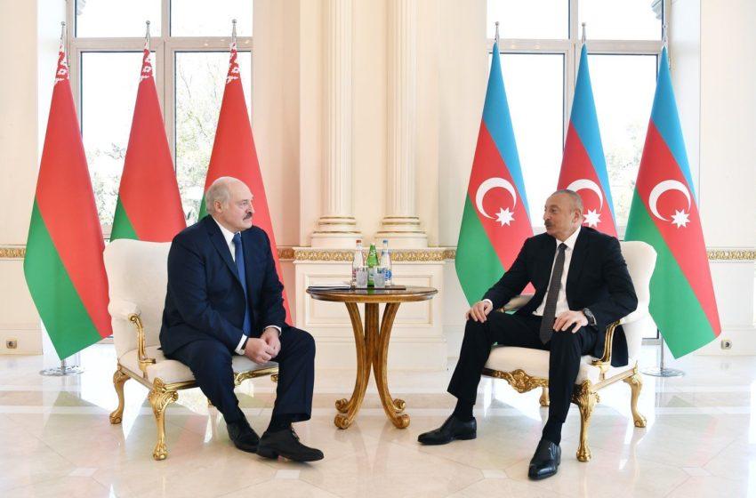 На встречу с другом Ильхамом. Лукашенко отправился в Азербайджан