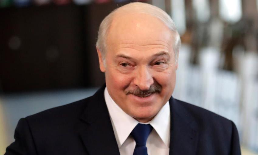 Что бы это значило. Лукашенко опять начал игры в многовекторность?