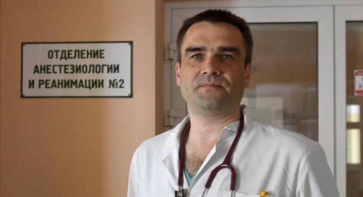 За что уволен руководитель детской больницы Максим Очеретний. Опять политика?
