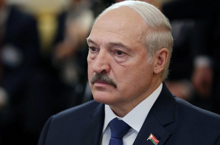 Куда же он пропал? Белорусы гадают, что случилось с Лукашенко