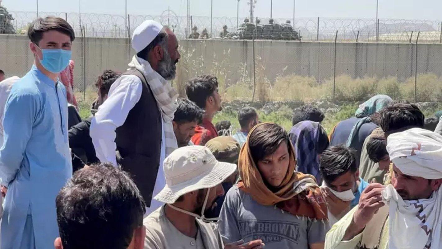 афганским беженцам