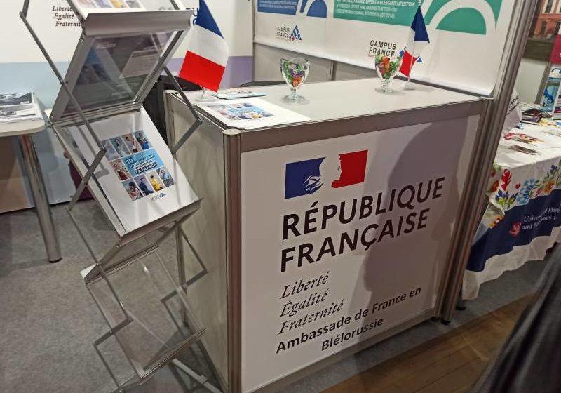 Не хотят как во Франции: Лукашенко вынудил уехать представителя Парижа